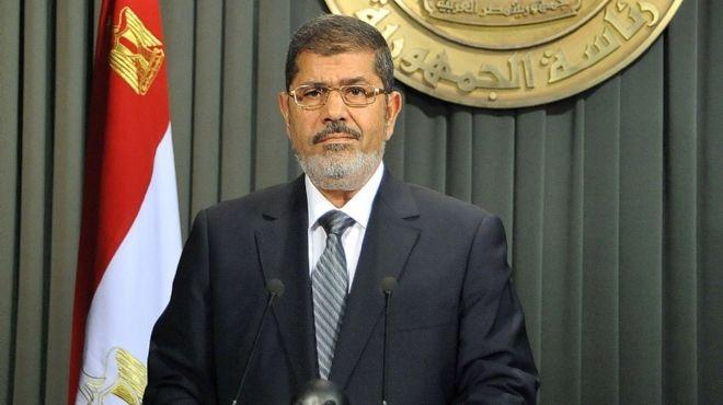 من يري في نقد الرئيس #مرسي مجداً فليتنازل عن مجده من أجل مصر