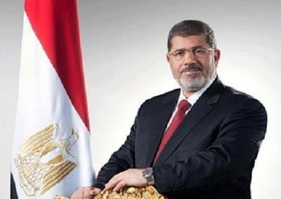 سواء أكان محمد مرسي على الكرسي او في السجن فهو رئيس مصر