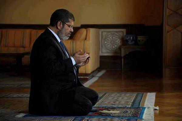 ندعو الله ان يكون رئيسنا المحبوب محمد مرسي  قد صام وأفطر و دعا بالنصر المؤزر