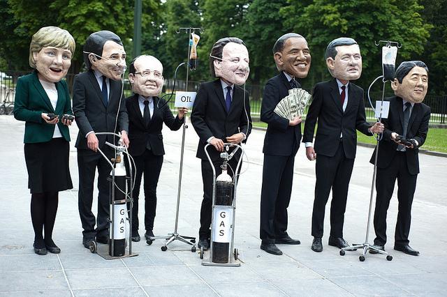 اذا لم يتخلص قادة اوربا من جاذبية امريكا فسيسقطون واحدا وراء الاخر